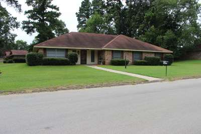 Gladewater TX Single Family Home For Sale: $169,900