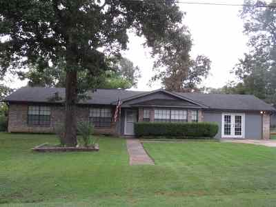 Hallsville Single Family Home For Sale: 418 Pine Circle