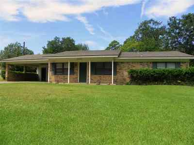 Gladewater TX Single Family Home Active, Option Period: $122,000