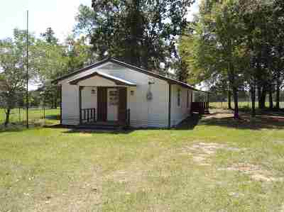Gladewater TX Single Family Home For Sale: $59,900