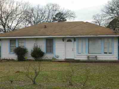 kilgore Single Family Home For Sale: 105 First St