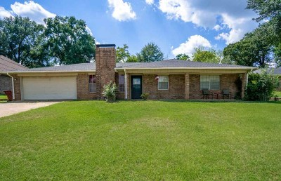 Hallsville Single Family Home Active, Cont Upon Loan Ap: 413 Ridgeway Circle