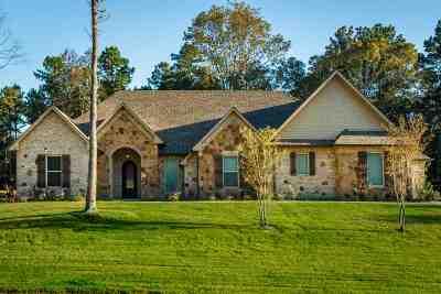 Gladewater Single Family Home For Sale: 259 Magnolia Lane