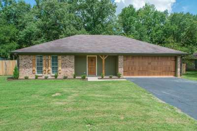 White Oak Single Family Home For Sale: 916 Robin