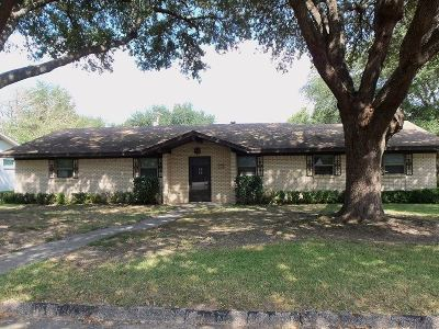 Gladewater TX Single Family Home For Sale: $141,000