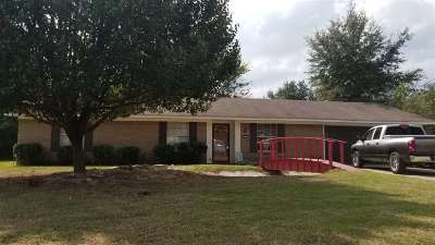 Gladewater TX Single Family Home For Sale: $109,900