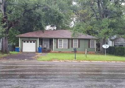 kilgore Single Family Home For Sale: 701 Peterson Rd