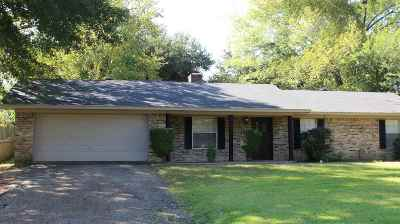 White Oak Single Family Home For Sale: 202 Lilac