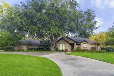 Single Family Home For Sale: 16 Oak Forest Drive