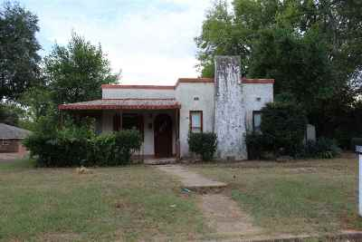 Gladewater TX Single Family Home For Sale: $69,000