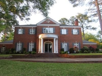 Single Family Home For Sale: 1305 Mockingbird Ln