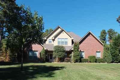 Single Family Home Active, Option Period: 325 Fox Glove Ln.