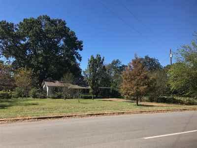 White Oak Single Family Home Active, Cont Upon Loan Ap: 1105 N White Oak