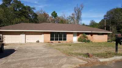 Gladewater TX Single Family Home For Sale: $98,000