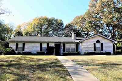 Single Family Home For Sale: 2813 Eugenia Dr.