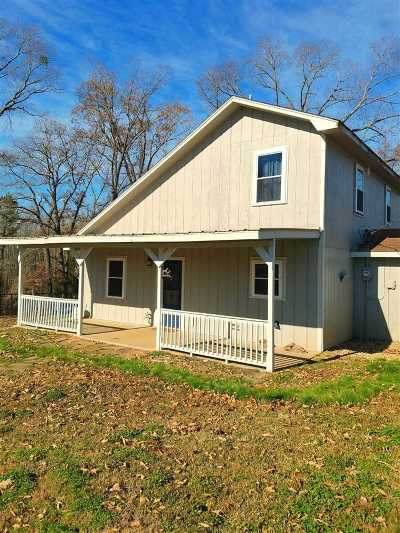 Gilmer Single Family Home Active, Option Period: 2981 Crabapple