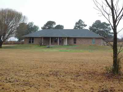 Gilmer Single Family Home Active, Cont Upon Loan Ap: 3400 Deer Road