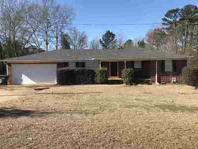 Longview TX Single Family Home For Sale: $155,000