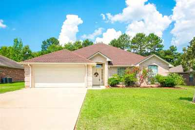 Hallsville Single Family Home For Sale: 111 Mallard Ln