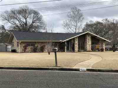 Longview TX Single Family Home Active, Option Period: $164,900