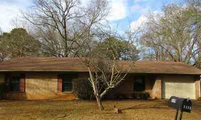 Longview TX Single Family Home For Sale: $111,000