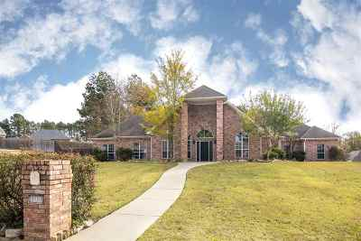 Hallsville Single Family Home Active, Option Period: 100 Winifreds Way