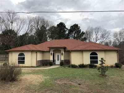 Longview TX Single Family Home For Sale: $245,000