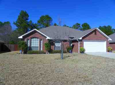 Hallsville Single Family Home Active, Option Period: 104 Canvasback Lane