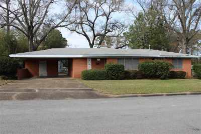 Gladewater TX Single Family Home For Sale: $100,000