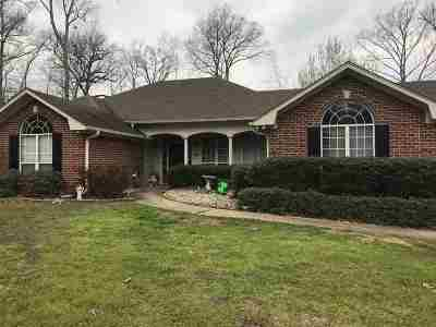 Gladewater Single Family Home For Sale: 153 Walker St.