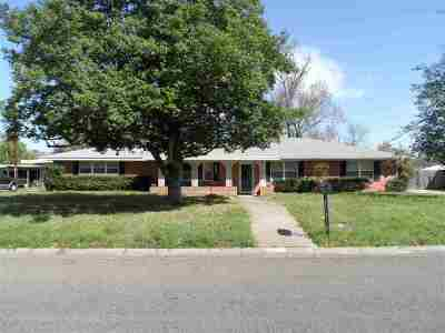 Kilgore Single Family Home For Sale: 2703 Royal Dr