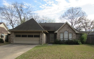 Longview TX Single Family Home For Sale: $129,320
