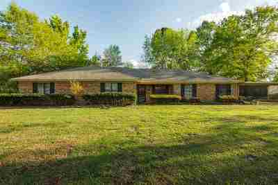 Gladewater Single Family Home For Sale: 181 Harrington St.
