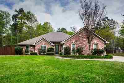 Kilgore Single Family Home For Sale: 150 Timbers Road