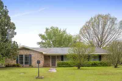 White Oak Single Family Home Active, Option Period: 306 E Kim St