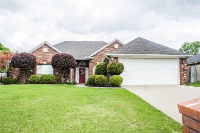 White Oak Single Family Home For Sale: 107 Rodessa