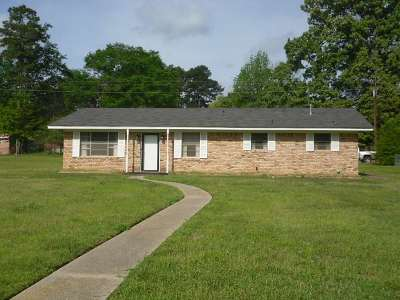 Gilmer Single Family Home Active, Option Period: 305 Parkway Ln