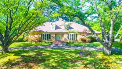 Single Family Home For Sale: 1303 Inverness