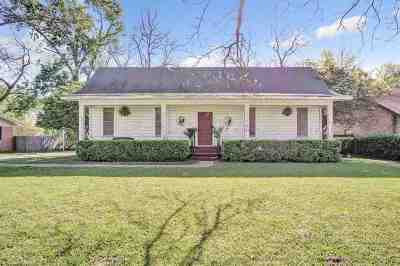 Gilmer Single Family Home For Sale: 703 N Montgomery