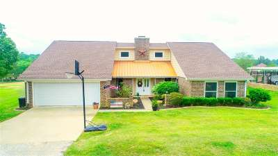 Gladewater Single Family Home For Sale: 624 E Wilkins Rd