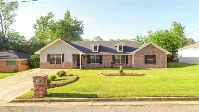 Longview TX Single Family Home For Sale: $175,000