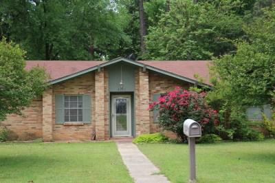 Longview TX Single Family Home For Sale: $136,000