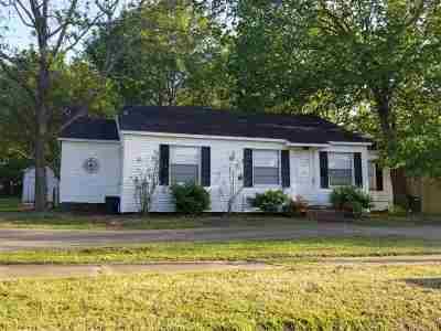 Gilmer Single Family Home For Sale: 601 W Tyler Street