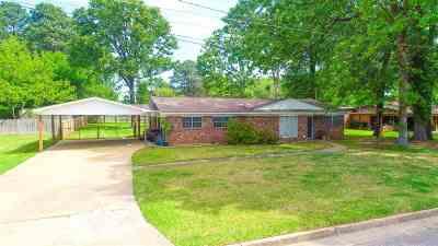 Longview TX Single Family Home For Sale: $149,900
