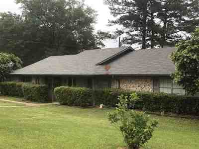 Gladewater TX Single Family Home For Sale: $132,200