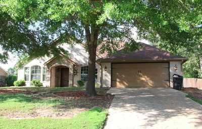 Gilmer Single Family Home For Sale: 105 Bob White Drive