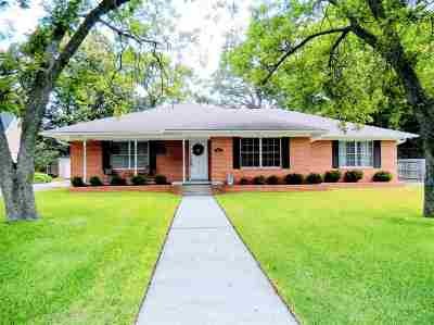 Gilmer Single Family Home Active, Option Period: 618 Walnut St.