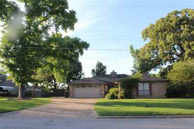 Longview TX Single Family Home For Sale: $159,900