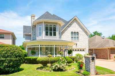 Single Family Home For Sale: 26 Oak Creek Ridge Dr