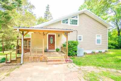Gilmer Single Family Home For Sale: 6121 Aspen Trail